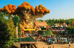 gardaland verona veneto italia parco attrazioni giochi diversione famiglia amici